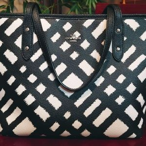 Coach Mini City Zip Tote w/Black & White Wild Plai